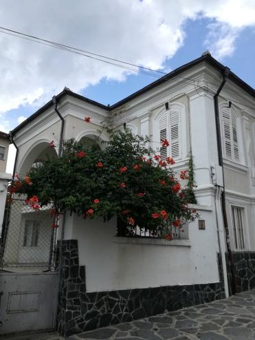 Модерна карловска къща, носеща полъха на Възрожденската епоха